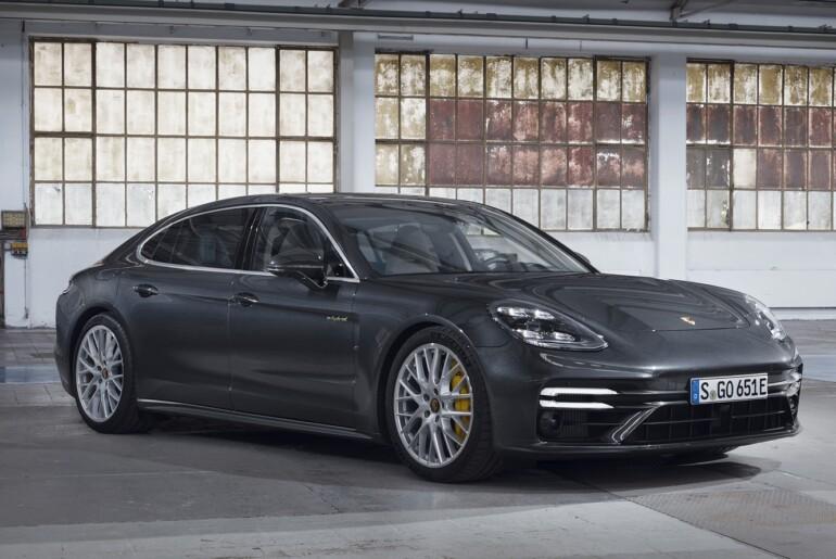 Porsche še z najmočnejšo hibridno Panamero s 700 KM