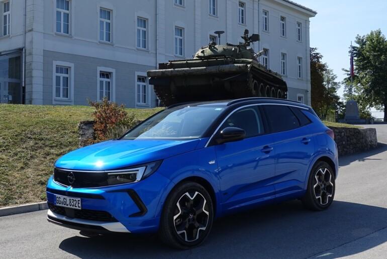 Opel Grandland z novo generacijo skuša ugajati tudi Slovencem