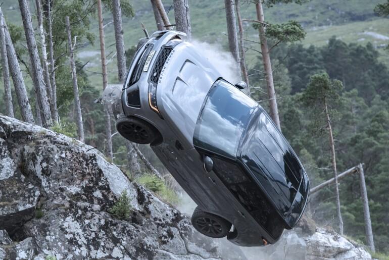 Range Rover Sport SVR: vratolomne filmske scene v iskanju Bonda